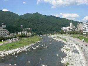 下呂駅近くの川の眺め