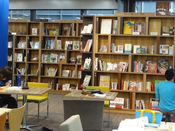 本がたくさんあります。